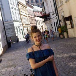Off Shoulder Jeansdress – Wenn in der Mode alles wiederkommt |Kraków