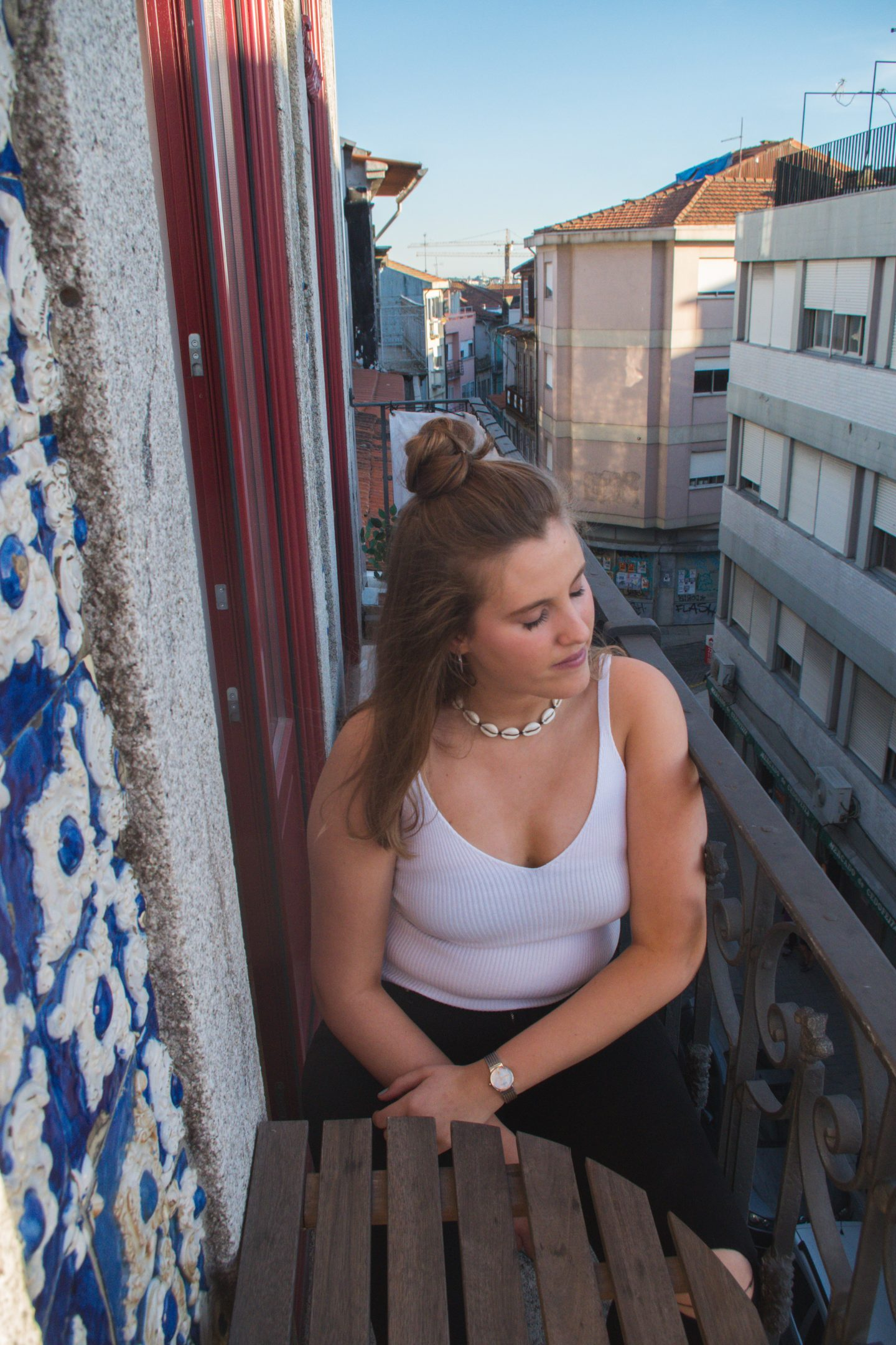 How to wear summer tops without bra straps  Porto